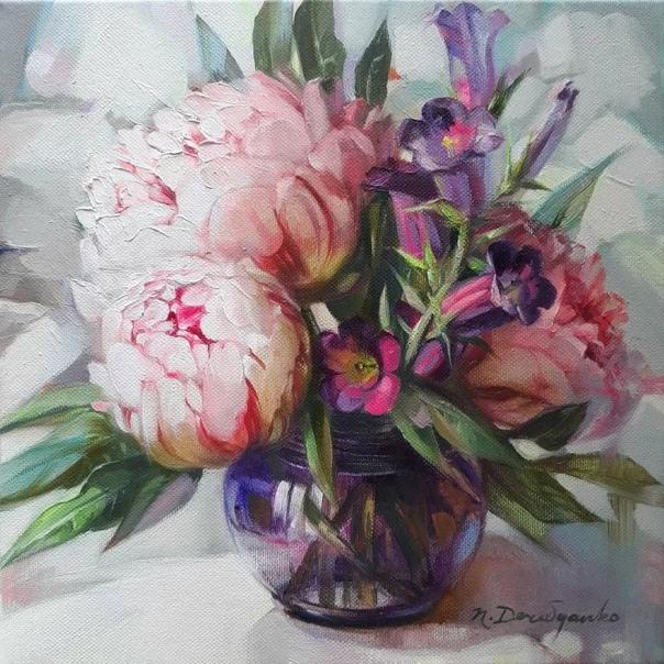 Талантливая украинская художница Наталья Деревянко (Nataly Derevyano пишет особенные работы, в которых она попыталась заключить все чувства жизни и ее радость. Родилась она в середине 70-х в