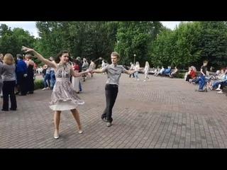 Что В Добрый Вечер Будет Лучше, Чем Танец Под Besame Mucho?