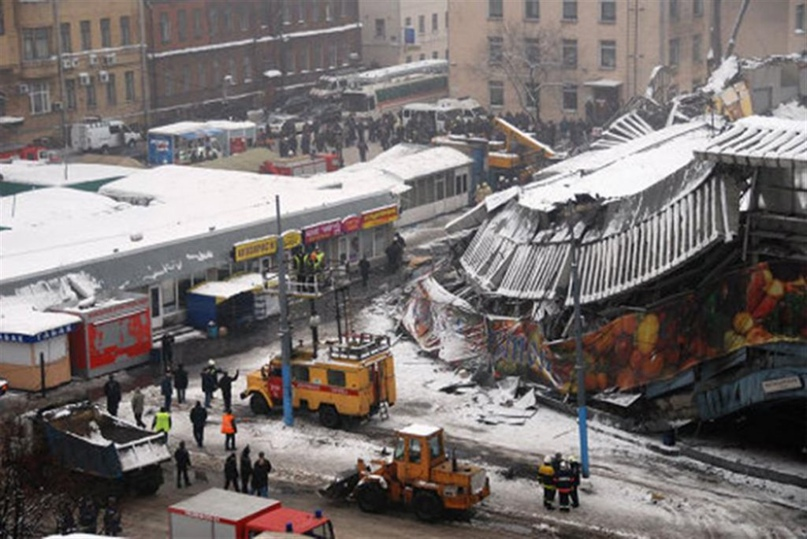 Посетители торгового комплекса погибли под завалами