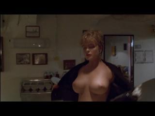 Эрика Элениак / Erika Eleniak - В осаде / Under Siege, (1992) 1080p