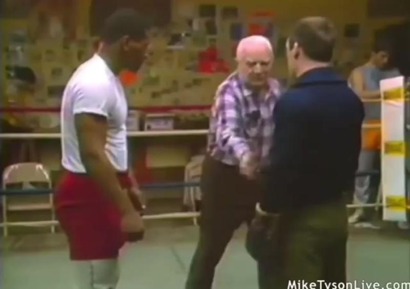 Фрагмент тренировки Майка Тайсона (New Boxing)