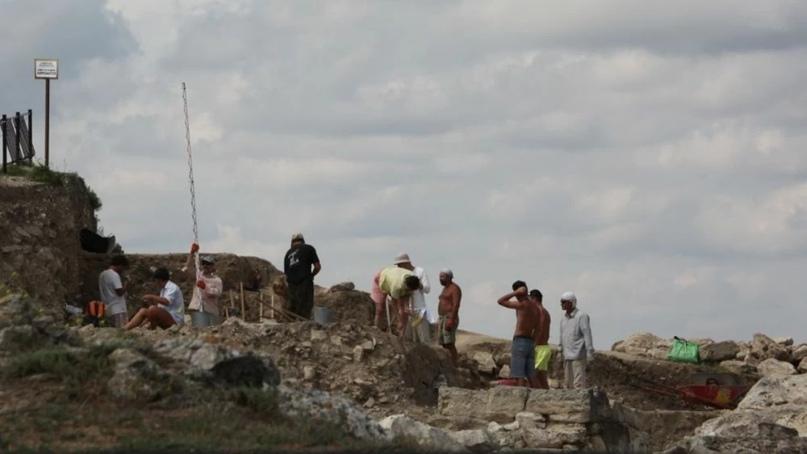 В Керчи нашли уникальное захоронение эллинистического периода