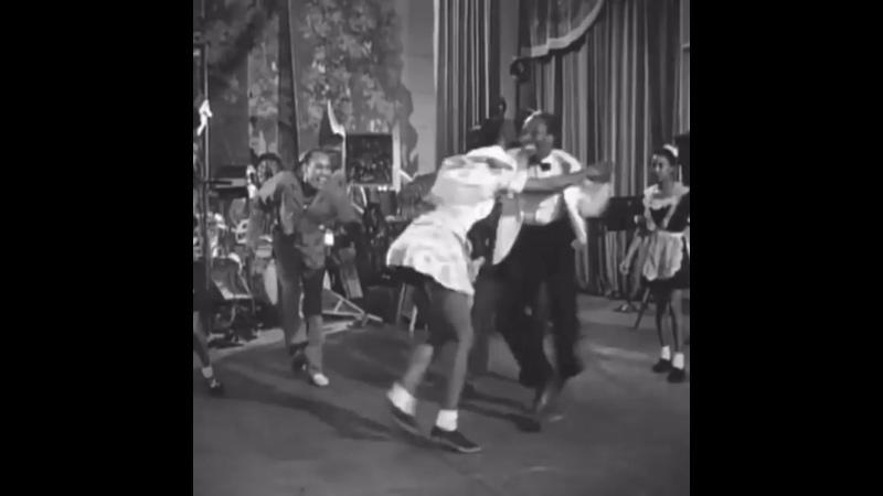 Гарлемские кенгуру в фильме Hellzapoppin 1941