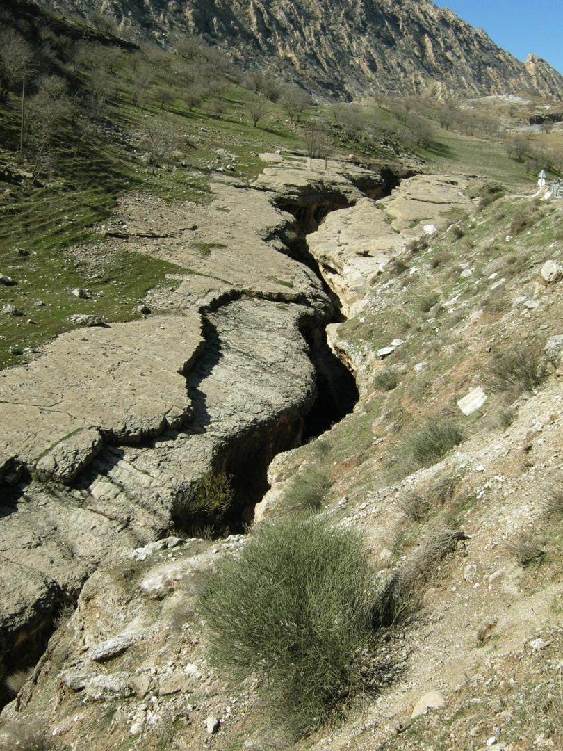 Узкое красивое ущелье в Илам, Иран
