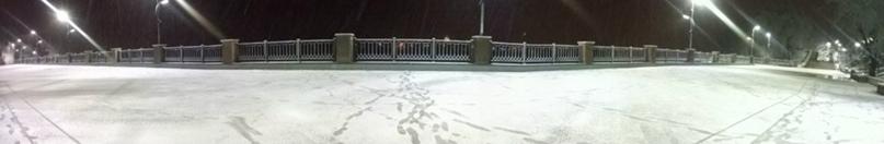 Набережная, первый снег