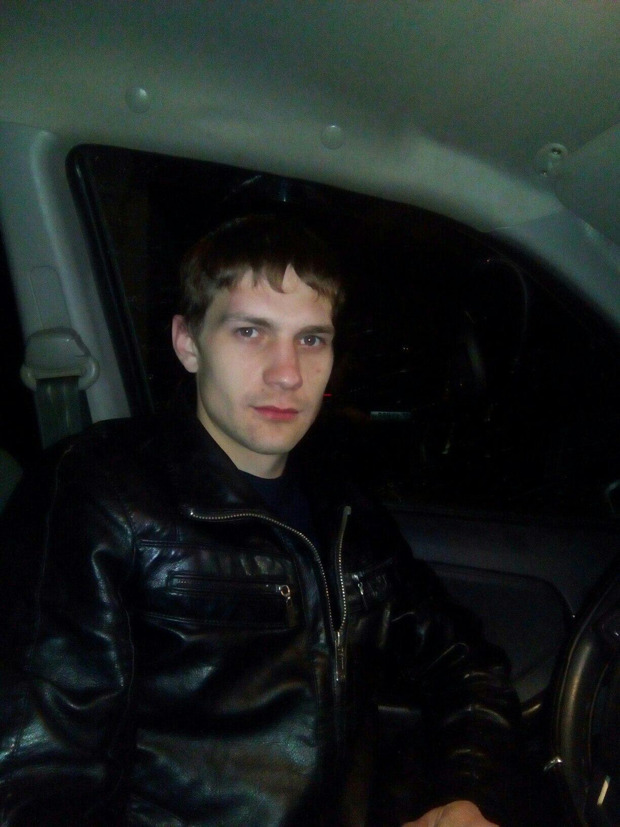 Иван, 29, Kommunar