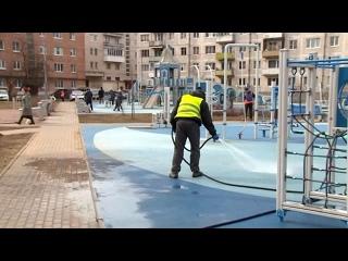 Петродворцовый район приводят в порядок после зимы
