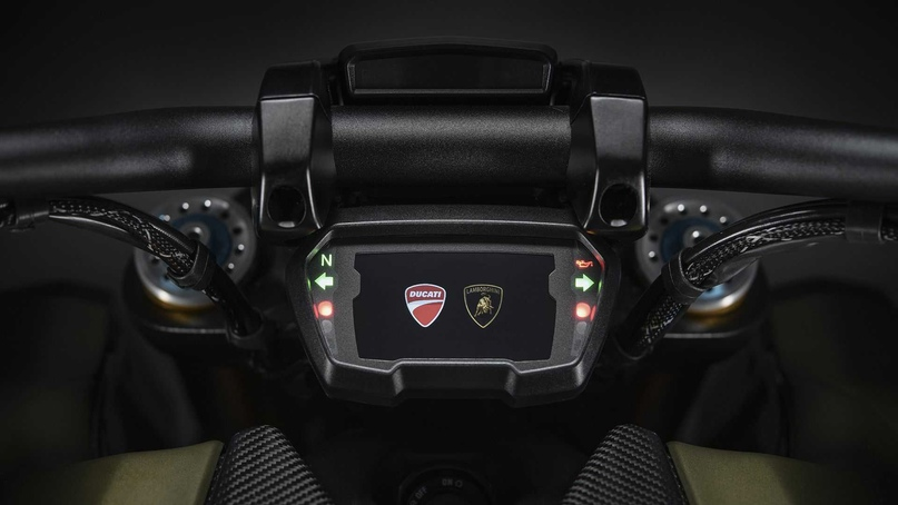 Мотоцикл Ducati Diavel 1260 Lamborghini 2021