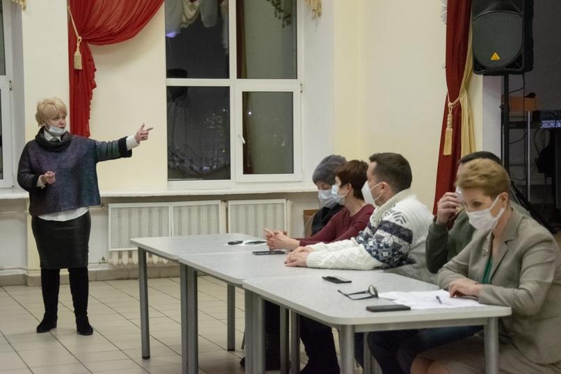 Представители городских медучреждений встретились с 11-классниками, ориентированными на медицинские специальности, изображение №2