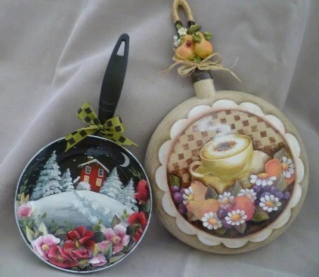 Как сделать домашний декор из старой сковородки, как оформить старую сковородку, украшение сковородки,
