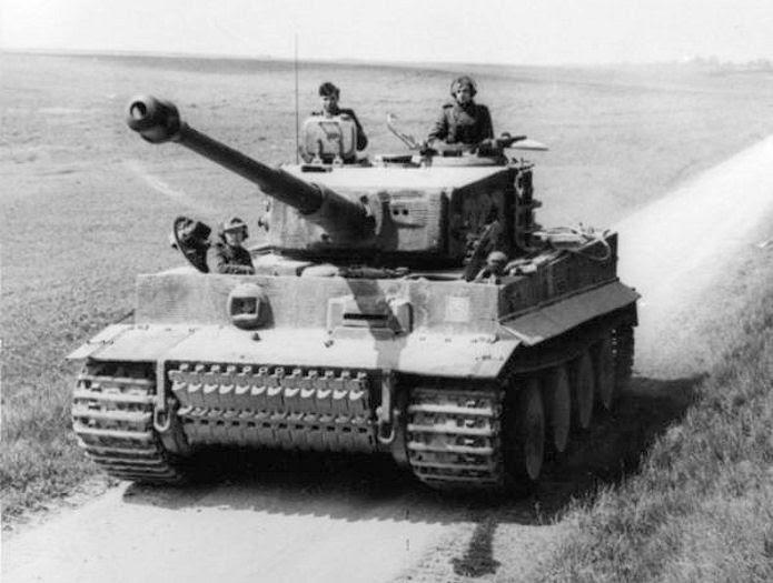 """Танк """"Тигр"""" был особенно опасным противником, так как распространённые противотанковые средства (45 мм пушка 53-К и 76,2 мм ЗИС-3) и танковые пушки советских танков (45 мм 20-К, 76,2 мм Ф-34 и ЗИС-5) не могли эффективно с ним бороться. https://de.wikipedia.org/wiki/Panzerkampfwagen_VI_Tiger"""