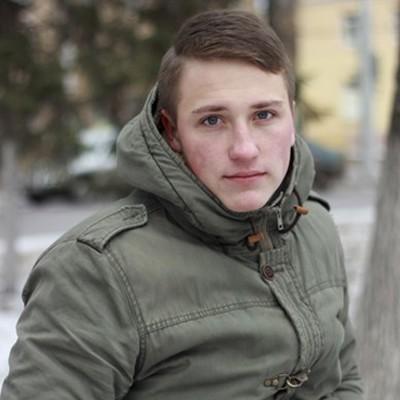 Максим Старенков