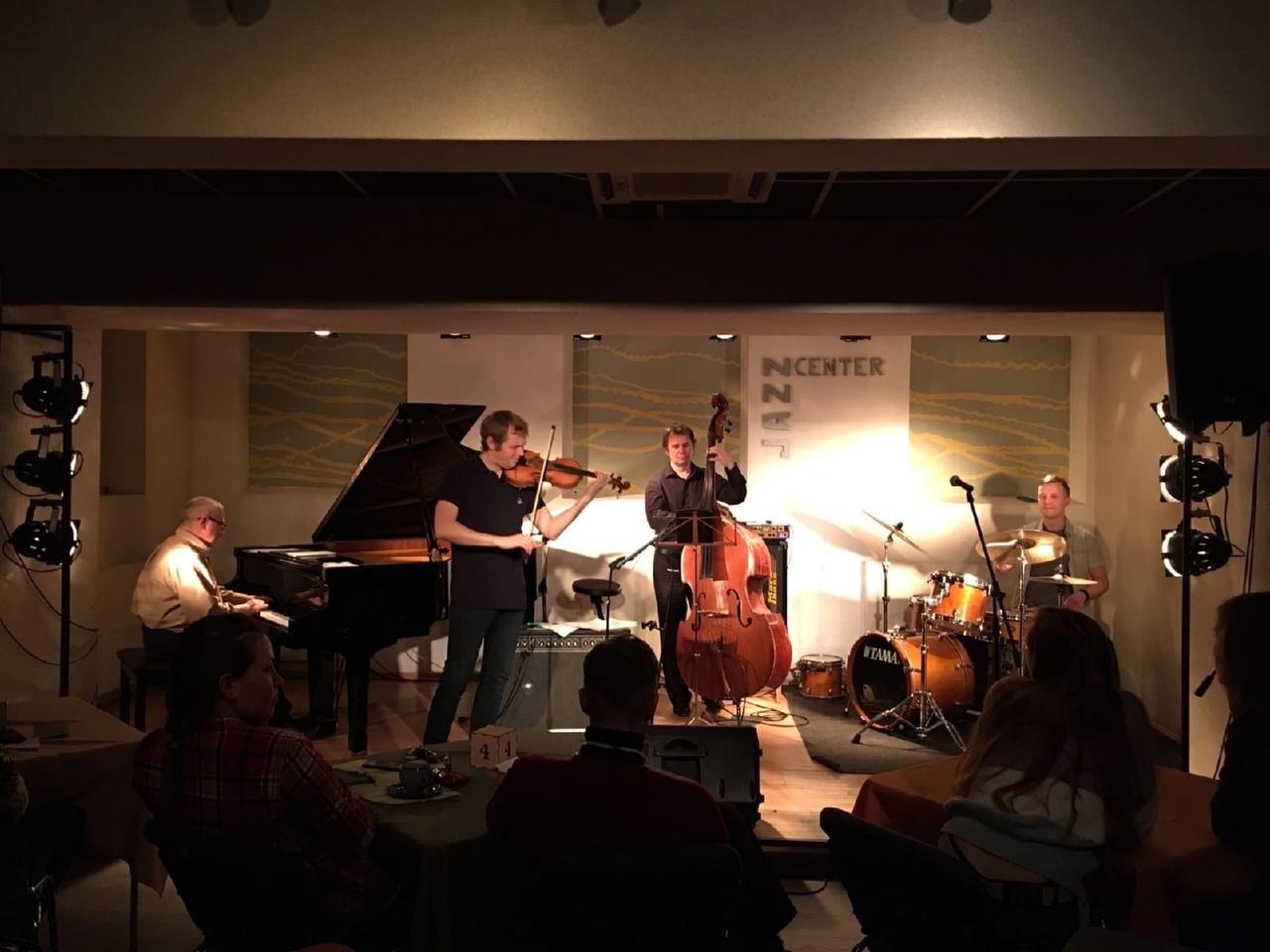 09.09 Ершов-Борисов квартет и Ксения Селезнёва в Jazz Center!