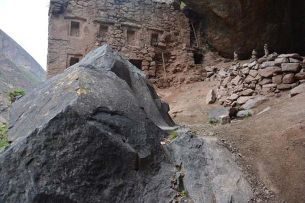Тайны Перу: Наупа Иглесия — «Звездные врата» на другие планеты или в другие измерения, изображение №2