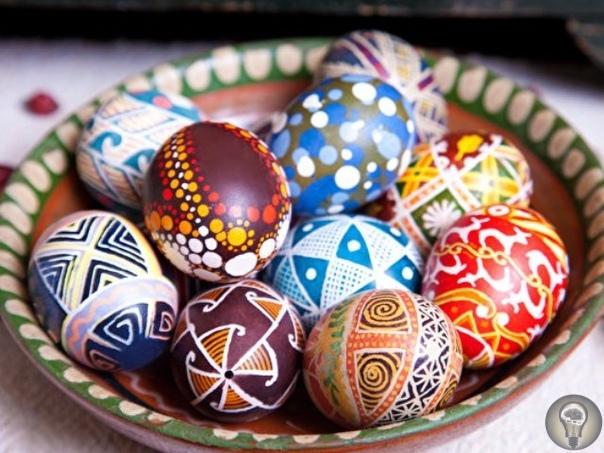 Курица в Бразилии снесла яйцо с текстовым посланием.