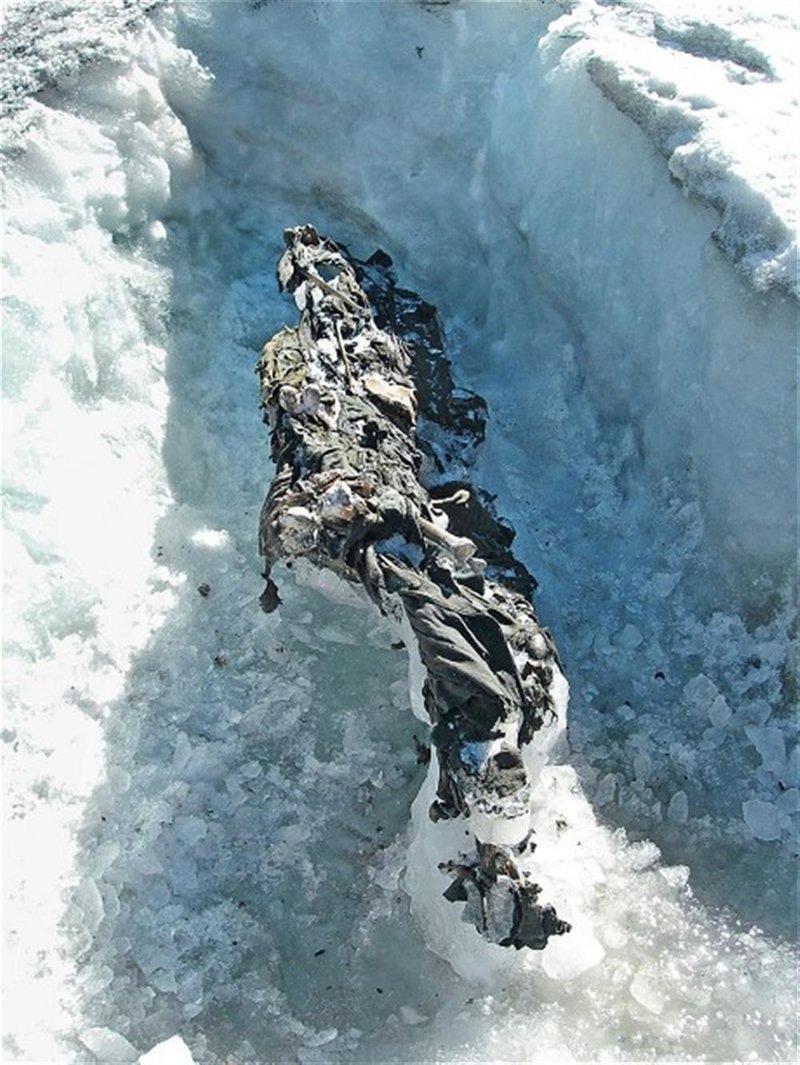 Что скрывают льды: 12 страшных находок, обнаруженных в ледниках, изображение №13