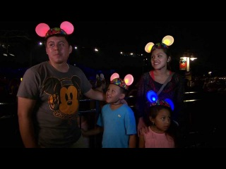 'Glow With the Show' Ears Brighten 'Fantasmic!' at Disney's Hollywood Studios | Walt Disney World