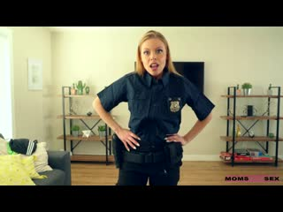 [MomsTeachSex] Britney Amber - My Step Mom Is A Cop NewPorn2020