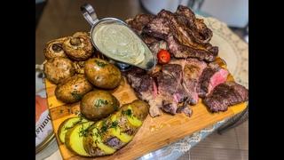 Рецепт «Стейк из говядины с грибным соусом»