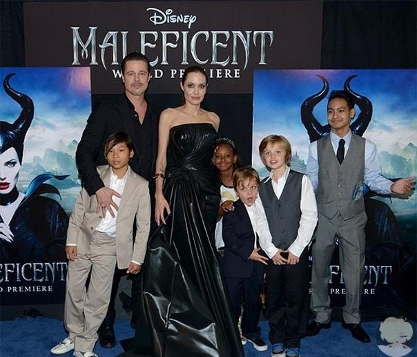 Анджелина Джоли соблазнила Брэда Питта, сняв белье во время съемок