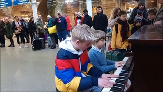PLAY on the STATION - by Olivier (8 years old) and Abe (12 years old).