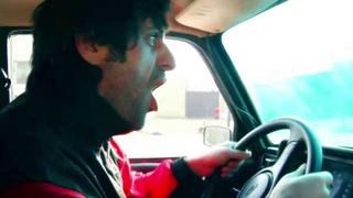 Таксист угрожал женщине из-за того, что та отменила заказ. Внимание много мата